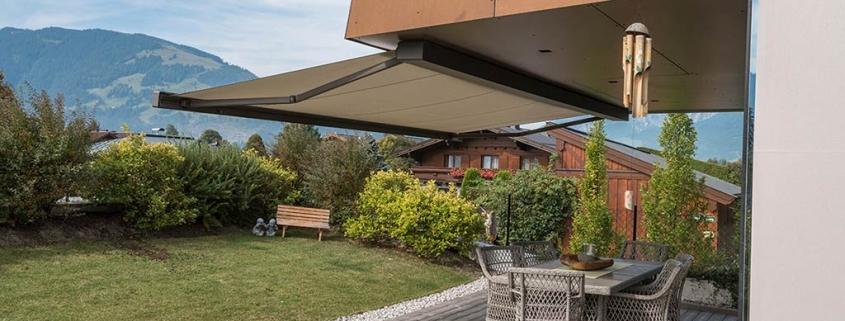 τέντα markilux 970 σε κήπο σπιτιού