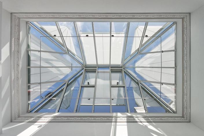 Τριγωνική τέντα για παράθυρα markilux 893